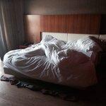 La cama comodísima y grande