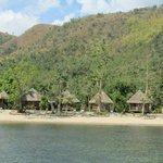 Vue des bungalows depuis la mer