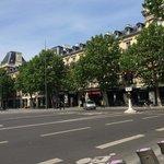Crowne Plaza Rèpublique - From the front
