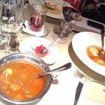 Супы очень вкусные:) Гуляш не острый, но подается маленькая чашечка с парикой-чили... Белый тома