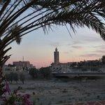 vue sur l'oued et le minaret
