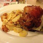 Stinco con patate e crauti (18,5€ nel 2014)