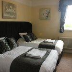 Double Room en suite twin beds location 3rd floor (66 step)s