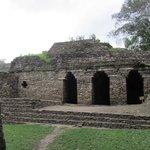 Entrance to the underworld- entrada al inframundo