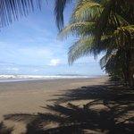 Hermosa playa de Esterillos Este