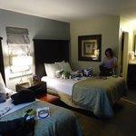 Segundo quarto com 2 camas de casal