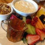 yoghurt, granola and fruit