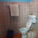 bathroom(Family room)