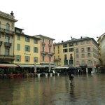 Piazza della Riforma mit den diversen Restaurants und Cafes