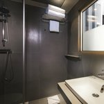 Nouvelle salle de bain chambre twin