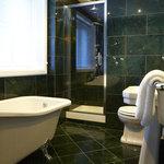 Room 10 Bath