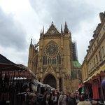 Cathédrale et marché