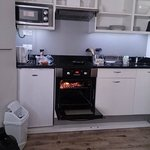 Fold Away Kitchenette (cooking breakfast!) - Studio Apartment for 2.