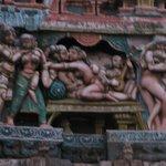 scène érotique sur le temple