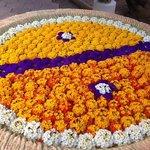 Fleurs dans vasque