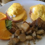 Breakfast! Eggs Benedict