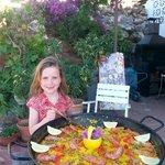 In Spanje eet je paella!