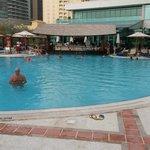 Swimmingpool mit Bar