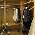 Walk-in closet 2308