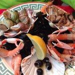 Assiette de fruits de mer.... Déjà entamée....:-)