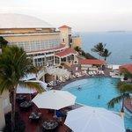 Hotel/Pool/Ocean