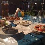repas du soir fait maison par les hotes pour 15 euros par personne
