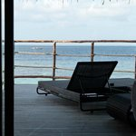 vue depuis notre chambre (water villa)