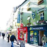 Stay on Quay Street and experience buzz of Galway!