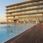 Piscina y terrazas hotel