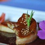 Foie gras poêlé et coulis de framboise