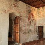 Wandmalereien sehr gut erhalten
