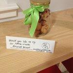Домашнее миндальное печенье -комплимент от отеля