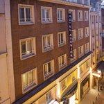 Photo of Hotel Avenida Gran Via