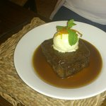 totally yummy sticky toffee pudding