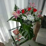 Detalle flores y bombones