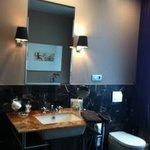 Augustijn Room - Bathroom