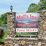 Mulls Inn Sign with Lake in Background