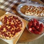strudel e torta di fragole