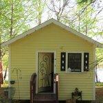 Elvis cabin