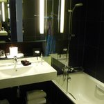 LeMeridienEtoile_Bathroom1