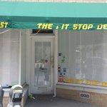 Foto de The Pit Stop Deli