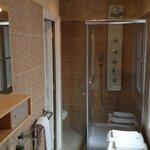 Salle de bains chambre 20