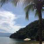 Praia do hotel, tranquila e sem ondas