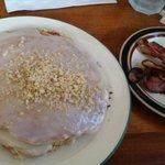 Mac nut pancakes