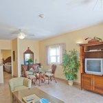 one bedroom upper suite - 750 sq. ft.
