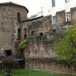 Mura romane e torre