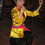 one of the two dancer/musicians