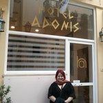 Entrada do Adonis hotel