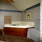 Village Loft Jacuzzi Suite