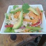 Tienen que probar esta fresca ensalada de vegetales!